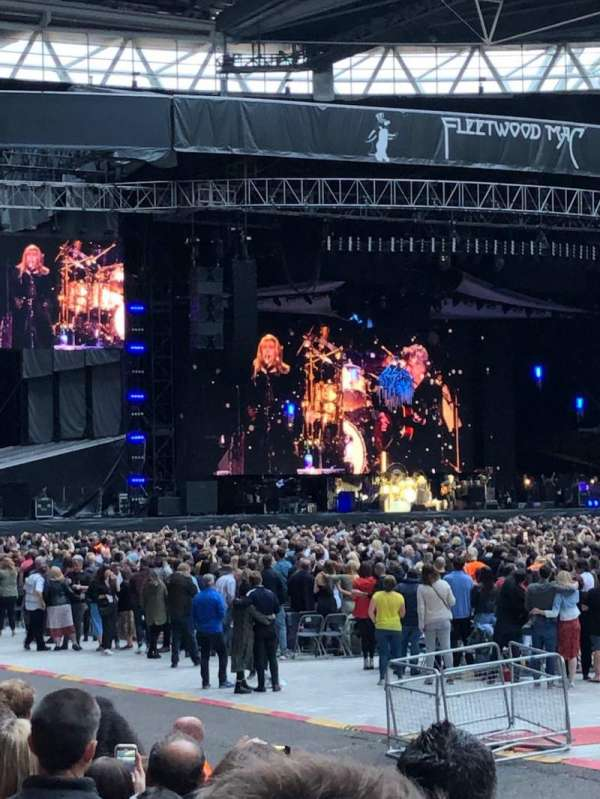 Wembley Stadium, sección: 121, fila: 7, asiento: 283