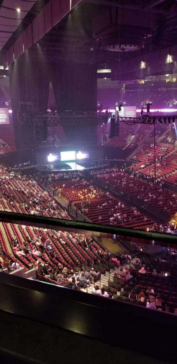 Moda Center, sección: 330, fila: A, asiento: 1