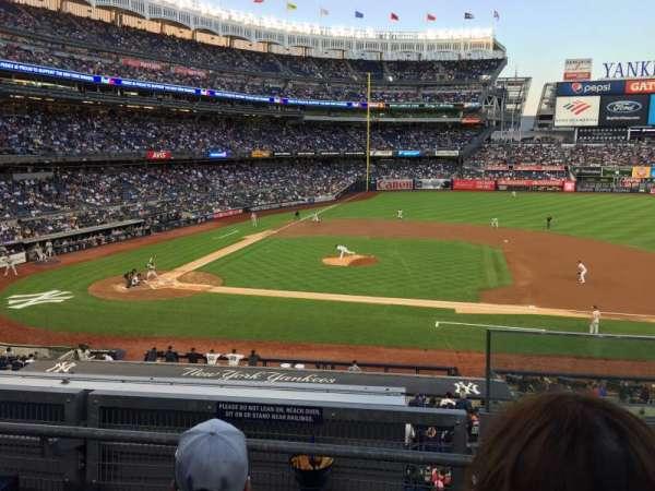 Yankee Stadium, sección: 216, fila: 3, asiento: 1