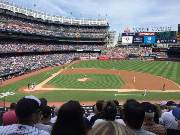 Yankee Stadium, sección: 216, fila: 7, asiento: 15