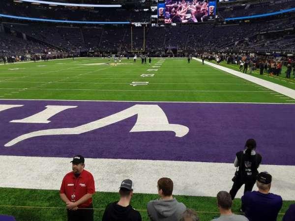 U.S. Bank Stadium, sección: 140, fila: 1, asiento: 6