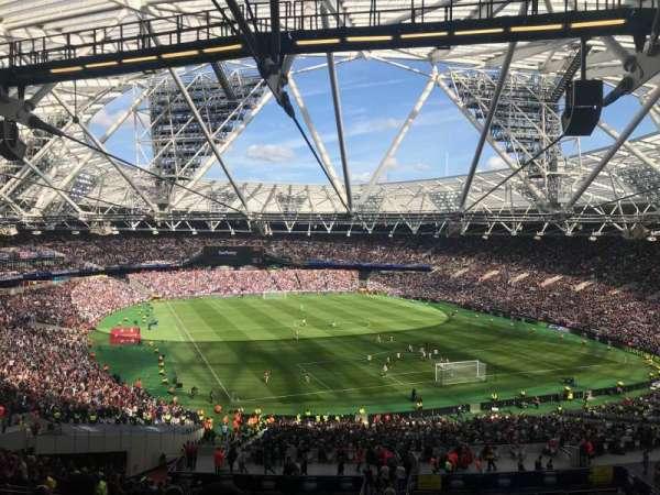London Stadium, sección: 218, fila: 58, asiento: 116