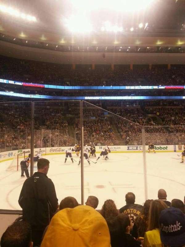 TD Garden, sección: Loge 3, fila: 6, asiento: 12