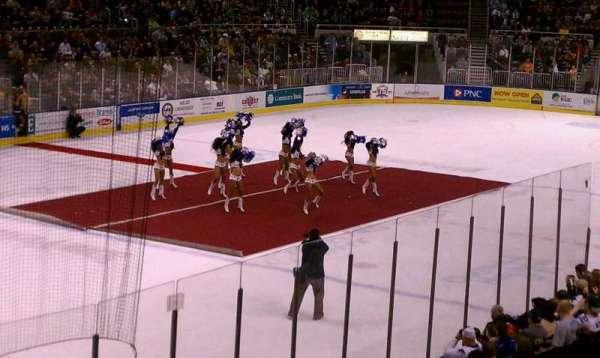 Carver Arena, sección: 17, fila: 3, asiento: 1
