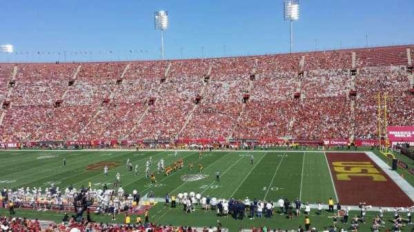 Los Angeles Memorial Coliseum, sección: 5H, fila: 43, asiento: 105W