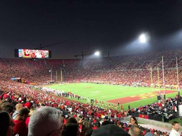 Los Angeles Memorial Coliseum, sección: 102, fila: 43, asiento: 1