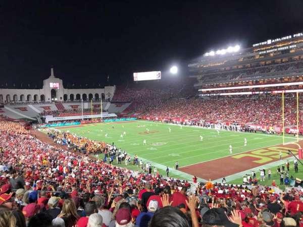 Los Angeles Memorial Coliseum, sección: 117, fila: 43, asiento: 12