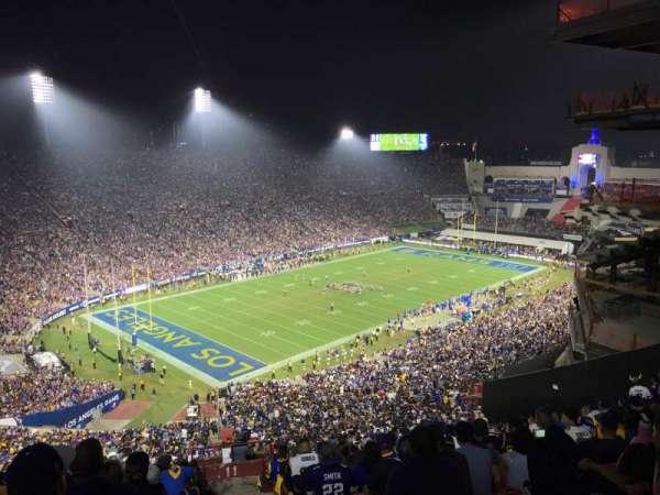 Los Angeles Memorial Coliseum, sección: 11L, fila: 93, asiento: 1