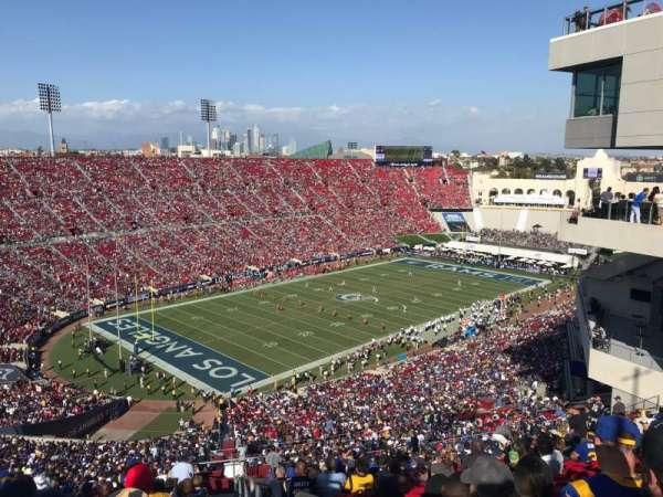 Los Angeles Memorial Coliseum, sección: 311, fila: 25, asiento: 1