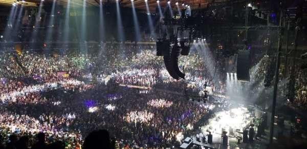 Madison Square Garden, sección: 214, fila: 8, asiento: 8