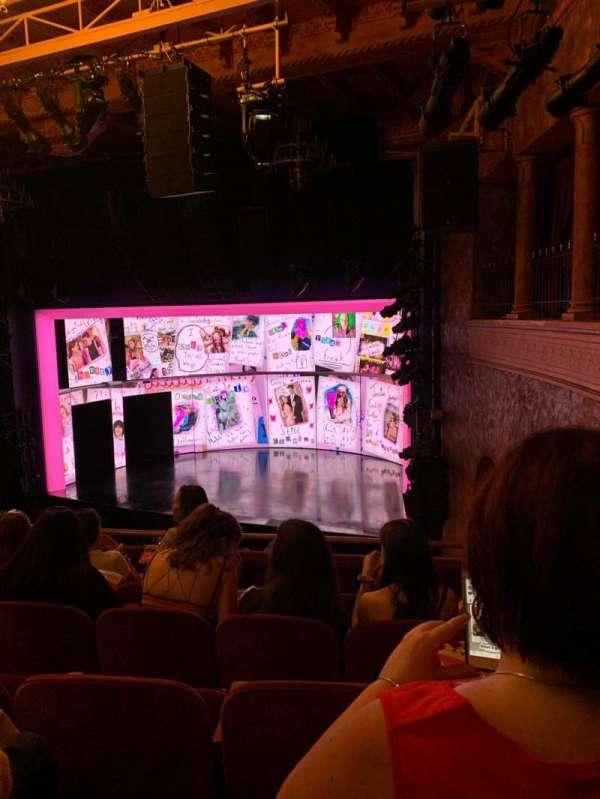 August Wilson Theatre, sección: Mezzanine R, fila: E, asiento: 20