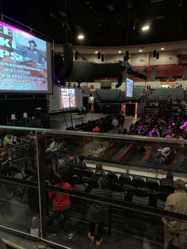 Pechanga Arena, sección: L, fila: 1, asiento: 4