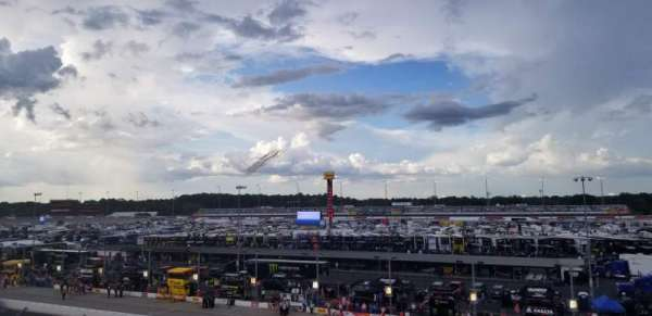 Darlington Raceway, sección: Tyler Tower F, fila: 5, asiento: 17