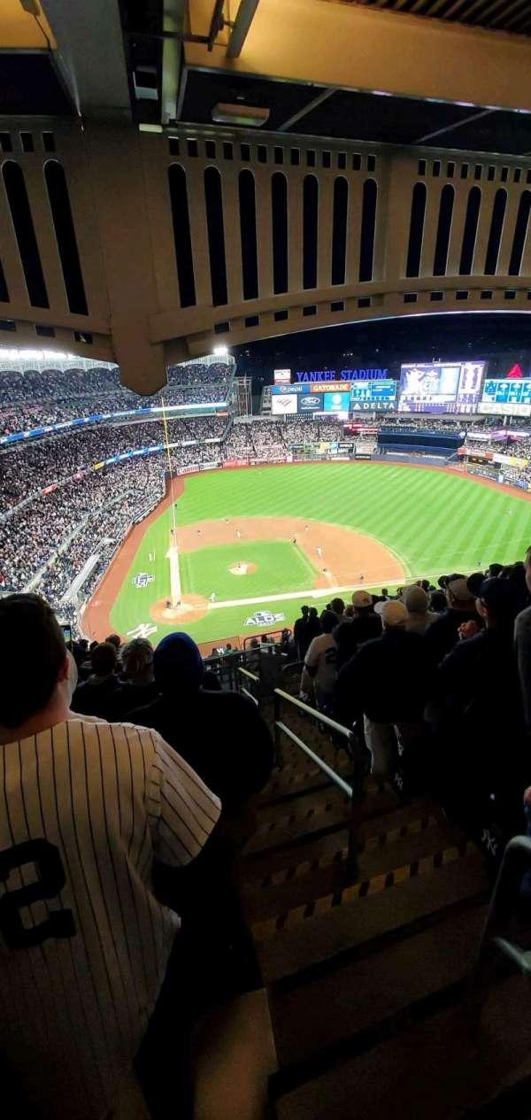 Yankee Stadium, sección: 418, fila: 13, asiento: 1