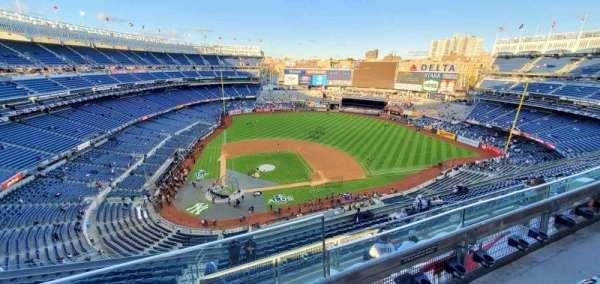 Yankee Stadium, sección: 418, fila: 14, asiento: 1