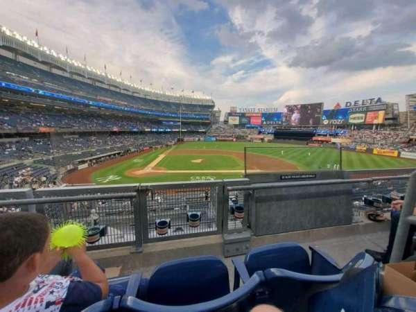 Yankee Stadium, sección: 217, fila: 2, asiento: 2