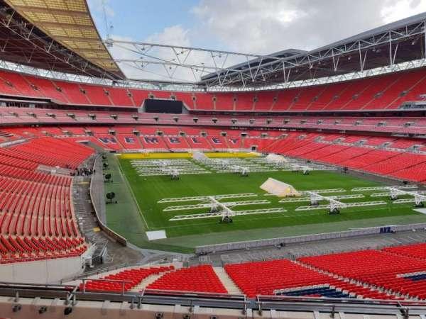Wembley Stadium, sección: 215, fila: 12