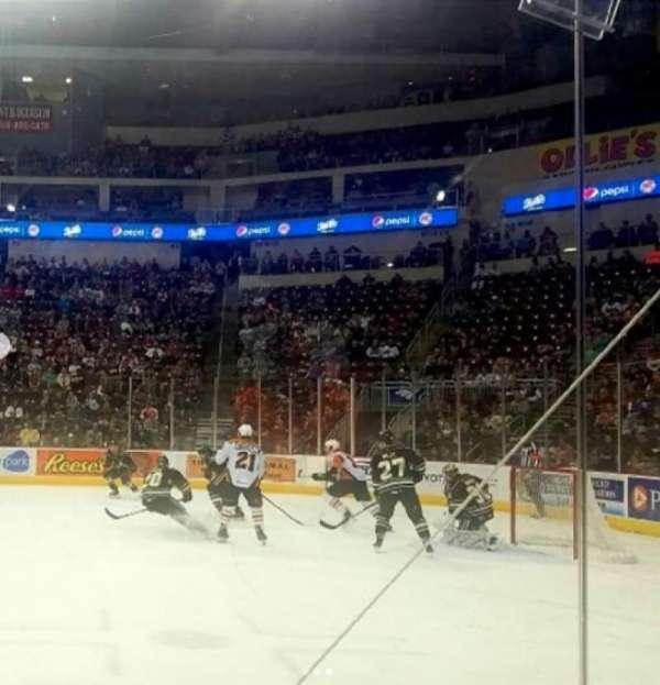 Giant Center, sección: 109, fila: 2, asiento: 6