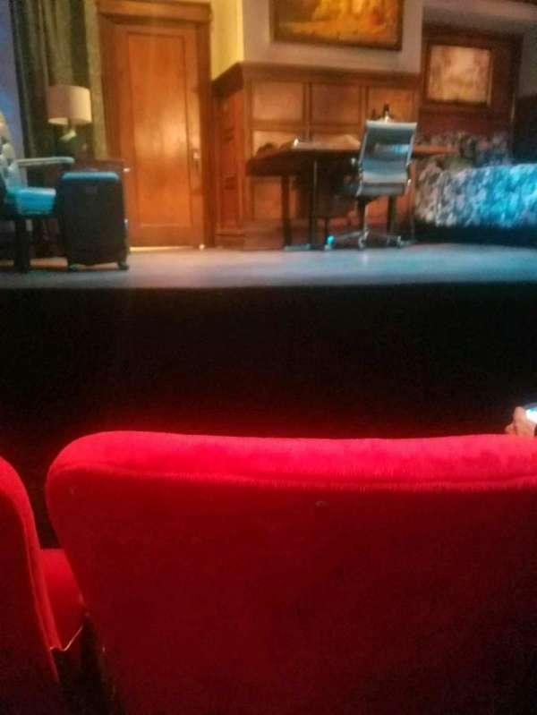 Lucille Lortel Theatre, sección: orch, fila: b, asiento: 108