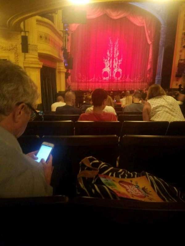 Hudson Theatre, sección: orchestra, fila: R, asiento: 11