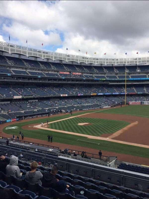 Yankee Stadium, sección: 214A, fila: 14, asiento: 5