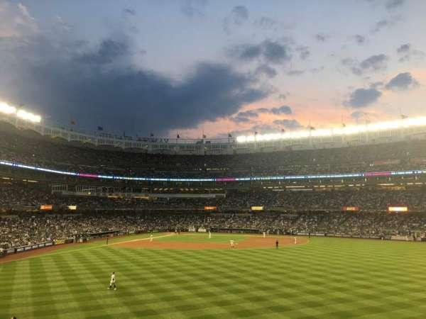 Yankee Stadium, sección: 203, fila: 5, asiento: 2