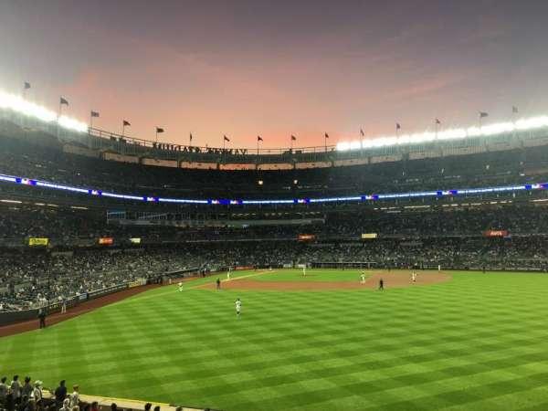 Yankee Stadium, sección: 203, fila: 6, asiento: 22