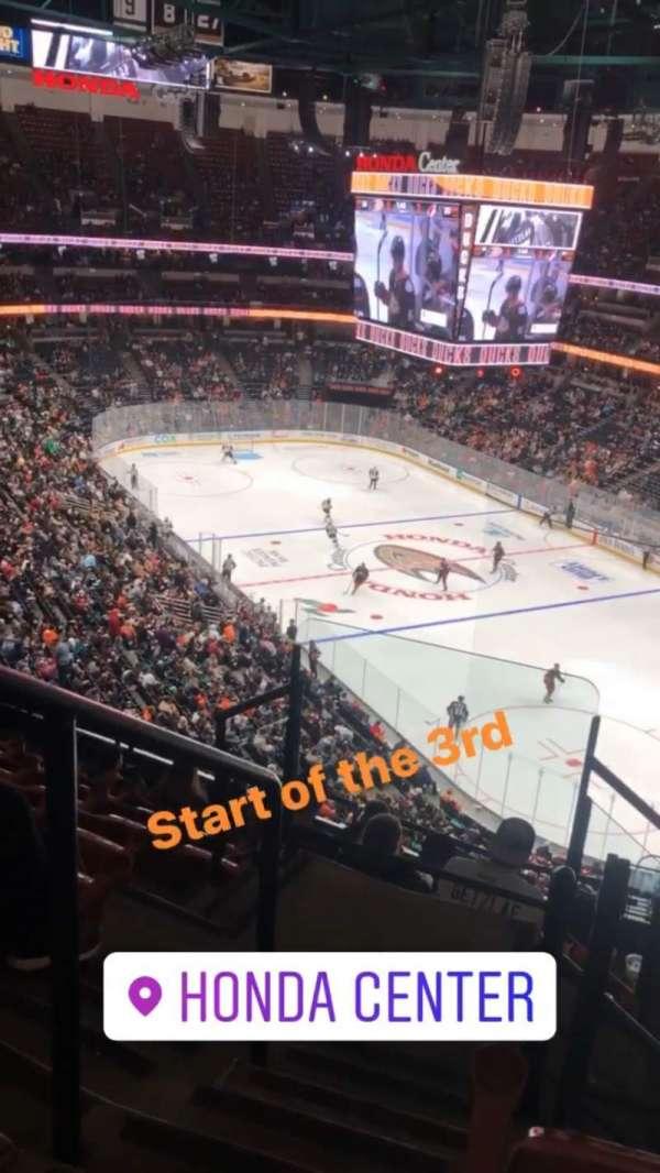 Honda Center, sección: 405, fila: H, asiento: 12
