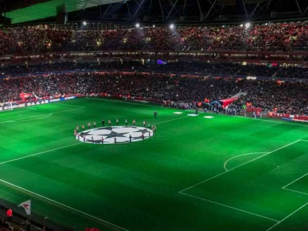Emirates Stadium, sección: 107, fila: 17, asiento: 455