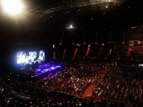 The Forum, sección: Box 228, fila: 1, asiento: 4