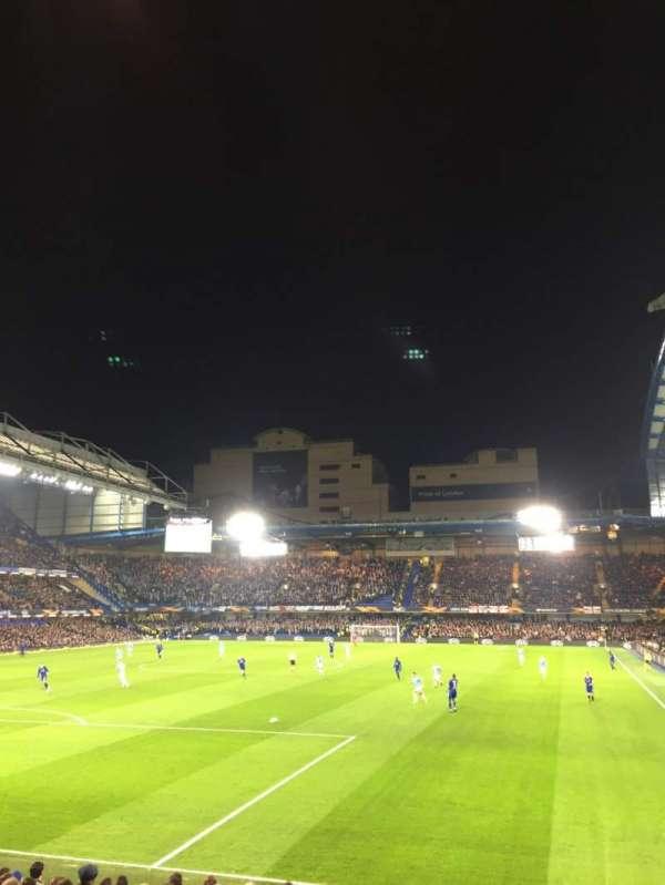 Stamford Bridge, sección: Matthew Harding Lower 10, fila: T, asiento: 305
