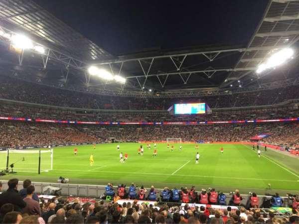 Wembley Stadium, sección: 109, fila: 18, asiento: 214