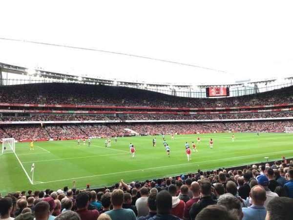 Emirates Stadium, sección: 20, fila: 18, asiento: 619
