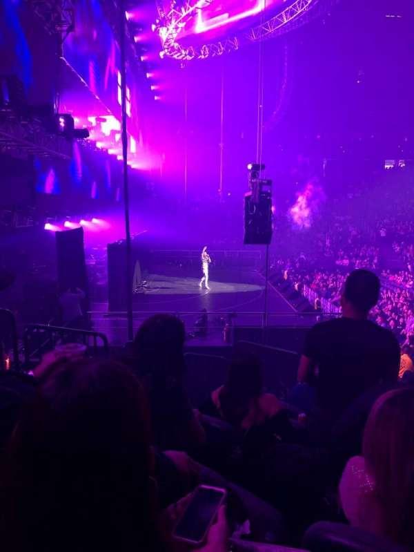 T-Mobile Arena, sección: 3, fila: L, asiento: 6