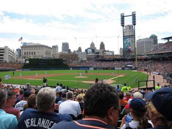 Comerica Park, sección: 130, fila: 27, asiento: 3