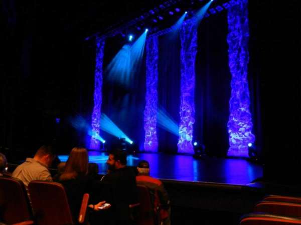 Harrah's Resort Atlantic City, sección: LOWR9, fila: FF, asiento: 105