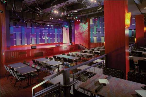 World Cafe Live, sección: Downstairs Bar Level, fila: 1, asiento: 1