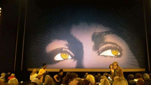 Lunt-Fontanne Theatre, sección: Orch, fila: M, asiento: 106