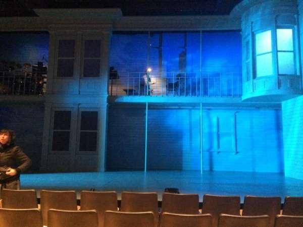 The Acorn Theatre at Theatre Row, sección: Orch, fila: E, asiento: 9
