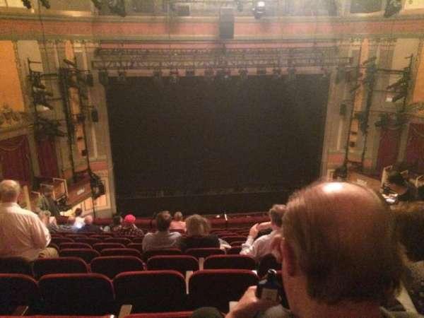 Neil Simon Theatre, sección: Mezz, fila: M, asiento: 107