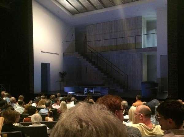 Laura Pels Theatre, sección: Orch, fila: L, asiento: 2
