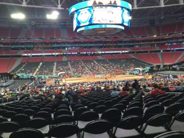 State Farm Stadium, sección: 110, fila: VV, asiento: 11