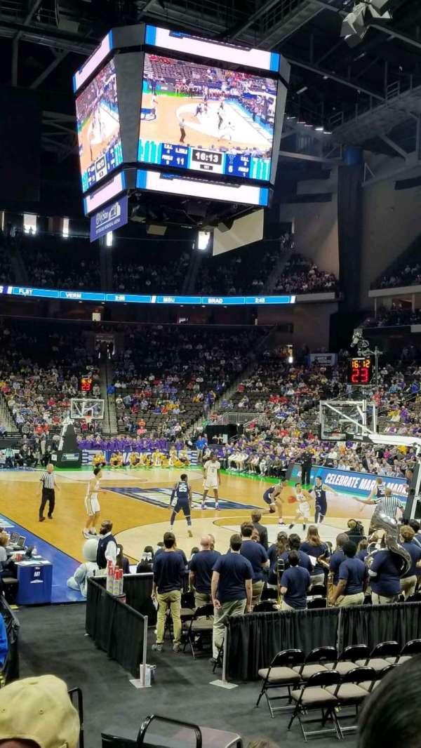 VyStar Veterans Memorial Arena, sección: 121, fila: H, asiento: 9
