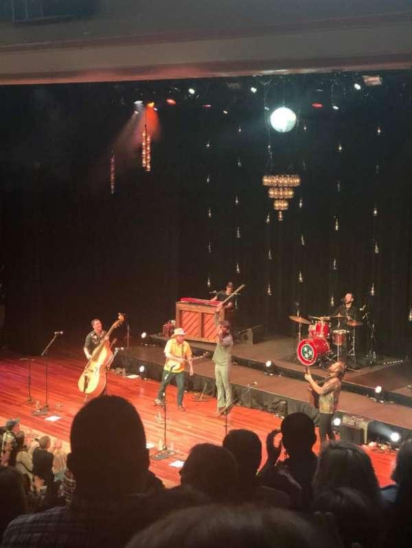 Ryman Auditorium, sección: 10, fila: J