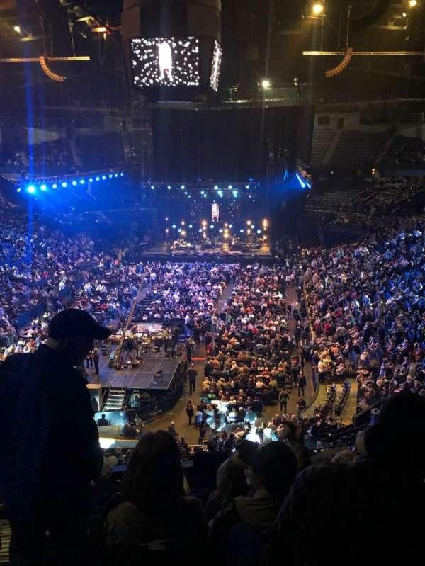 Bridgestone Arena, sección: 202, fila: J, asiento: 14