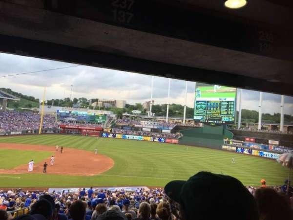 Kauffman Stadium, sección: 237, fila: P, asiento: 8