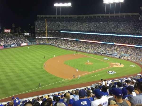 Dodger Stadium, sección: 31RS, fila: T, asiento: 17