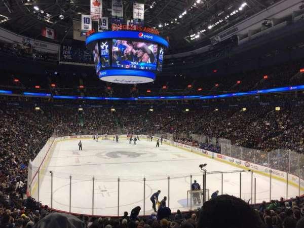 Rogers Arena, sección: 101, fila: 19, asiento: 8