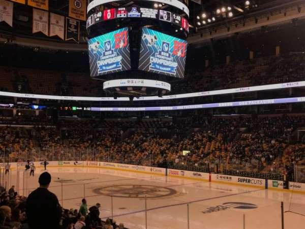 TD Garden, sección: Loge 9, fila: 14, asiento: 1