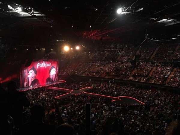 The Forum, sección: 230, fila: 5, asiento: 8